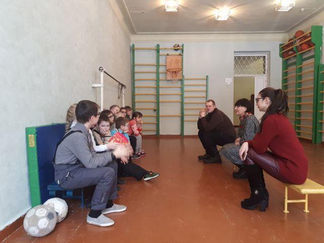 Петр Полященко провел занятия с собаками терапевтами в комплексе им. Короленко